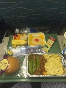 パキスタン出張。PIAパキスタン航空の機内食(夕食)