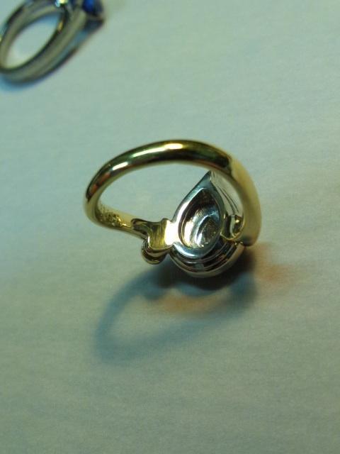 エシカルダイヤモンドの婚約指輪(オーダーメイド品)シャンパンゴールド×プラチナ メイキング写真3