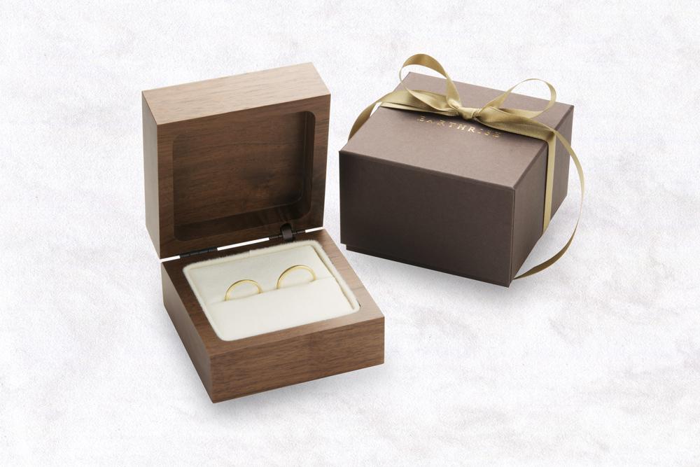 ウォールナットのリングケース。結婚指輪。マリッジリング用ケース。エシカルジュエリー