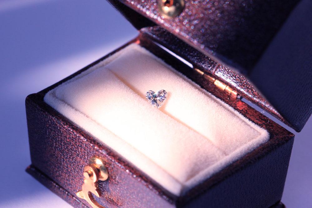 ハートシェイプダイヤモンドのエタニティリング(婚約指輪)オーダーメイド