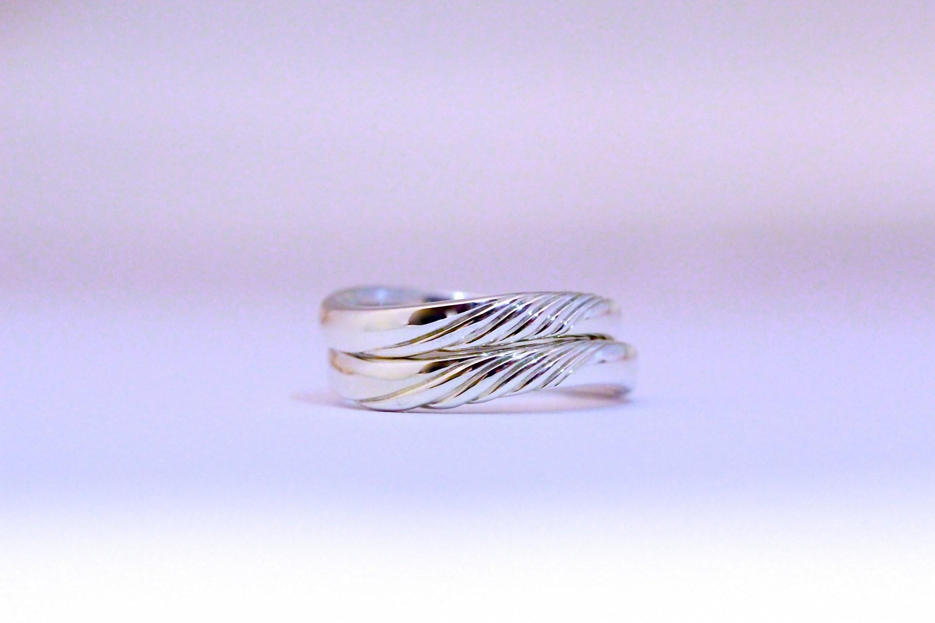 オーダーメイドの結婚指輪(フェアトレードシルバー製)