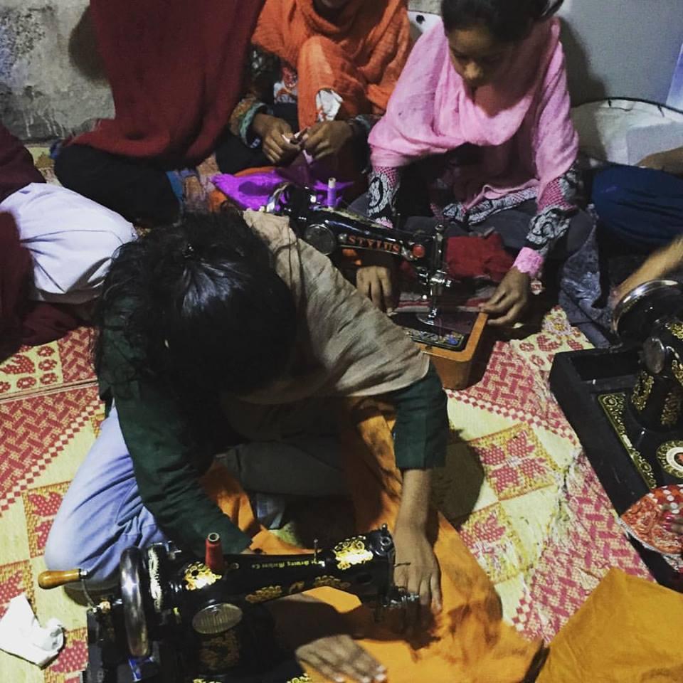 イスラマバードのスラム支援の現場
