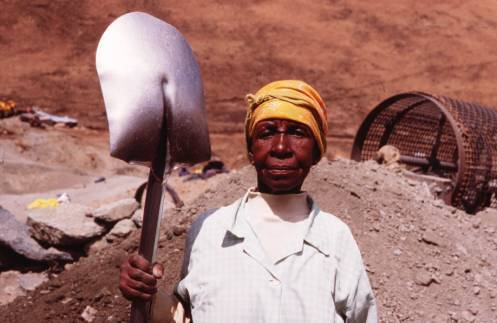 レソトのダイヤモンド鉱山で働く女性たち