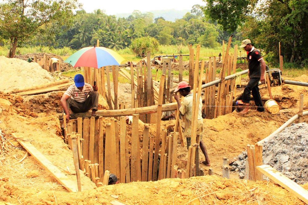 スリランカの宝石採掘場(鉱山)