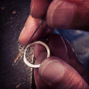 百合の花 エンゲージメントリング(婚約指輪)のメイキング(制作)風景
