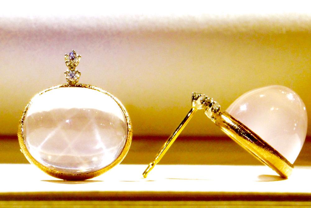 【アフロディーテコレクション】ダイヤモンド&ローズクォーツを用いて、イタリアの伝統技法が美しいピアス