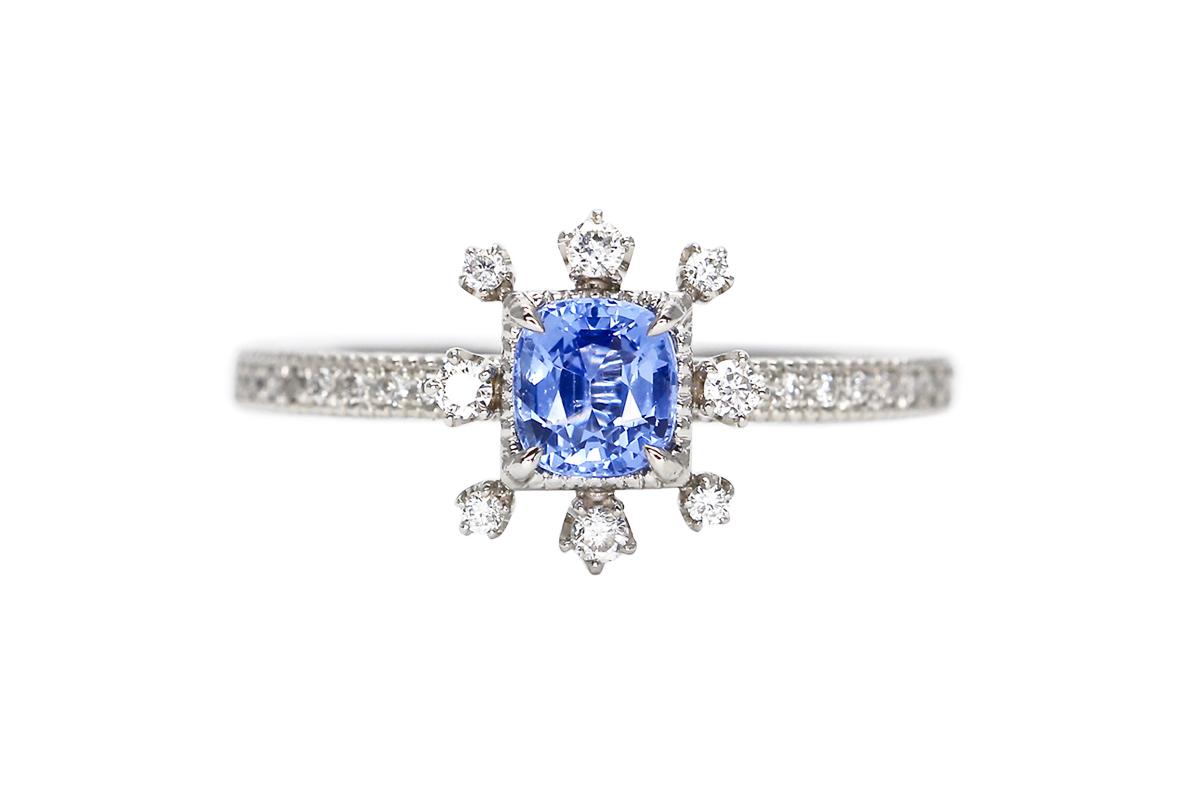 雪の花ブルーサファイア&ダイヤモンド婚約指輪(エンゲージリング)