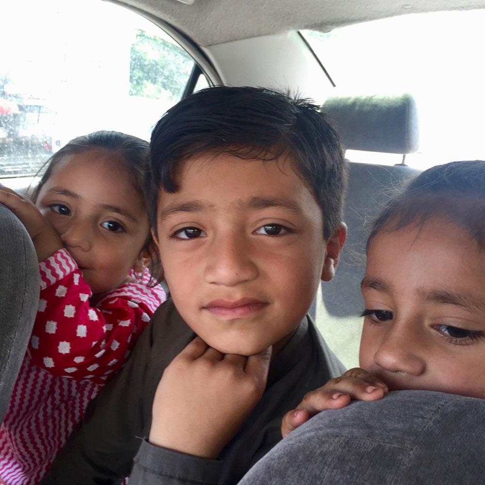 ザイーさんのお孫さんたち。スワートの子供達。